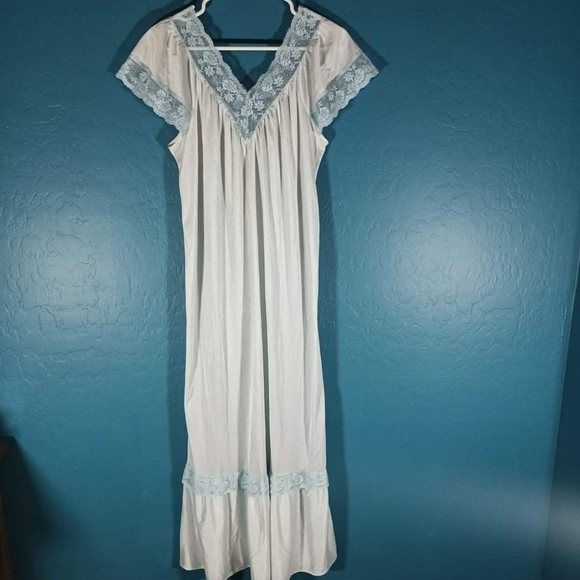 Ilise Stevens Nightgown Night Dress Lingerie Vtg Nylon And Lace Pale Blue Small